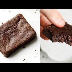 1 Minute Keto Brownies | The BEST EASY Low Carb Keto Brownie Recipe