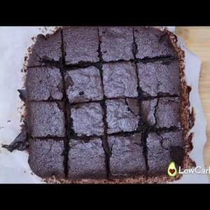 Best fudgy keto brownies recipe with almond flour –  Only 2g carbs