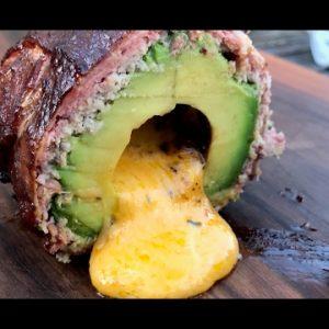 SMOKED & STUFFED AVOCADO – KETO Grill- und BBQ-Recipe – 0815BBQ🥑