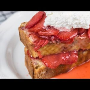 The Best Keto Strawberry Shortcake Recipe (Low-Carb & Delicious!)